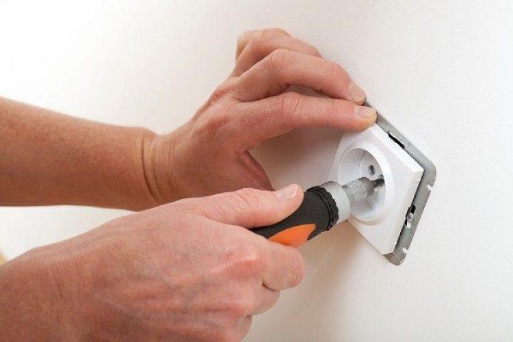 Правила безопасности работы с индикаторной отвёрткой