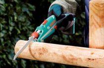 Одна из разновидностей сабельных пил – маленькая электропила по дереву